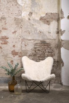 Lusting over this occasional chair. Victorian House Interiors, Victorian Homes, Faux Brick Walls, Living Room Goals, Bohemian Interior, Interior Decorating, Interior Design, Take A Seat, Home And Deco
