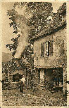 La Région du Limousin. Vieille Maison à Altillac, près Beaulieu (c.1924)