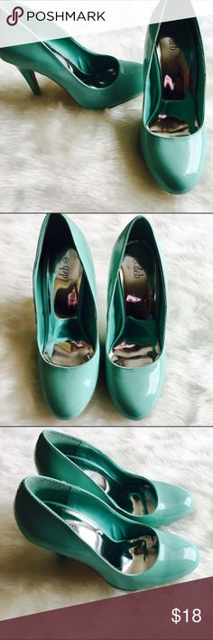 🆕LISTING!💕DEB MINT GREEN HEELS🎀 These are so cute!! They have only been worn once and are in excellent condition.😀 The heel is 4.5 inches. Wear these to spice up any outfit! 🚫No trades ✅Open to reasonable offers  💝Bundle and save Deb Shoes Heels