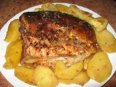 Crap la cuptor pe pat de cartofi Romanian Food, Crap, Pastry Cake, Fish Recipes, Steak, Pork, Vegan, Chicken, Cooking