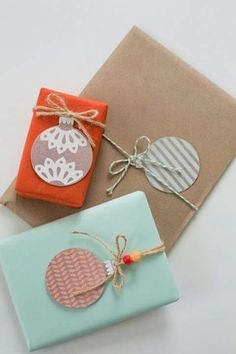 DIY - Gift Wrapping Guide: 15 Ideas for Creative Homemade Tags Present Wrapping, Creative Gift Wrapping, Wrapping Ideas, Creative Gifts, Wrapping Papers, Christmas Gift Wrapping, Christmas Tag, Christmas Crafts, Christmas Balls