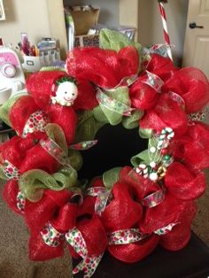 How+To+Make+A+Mesh+Wreath