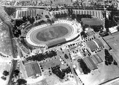 This seventies image gives a good view of the showgrounds that was an annual part of of the Cape Town scene up to wherafter it became the home of the Grand West Casino. Main entrance was ar the bottom right of the photo. Cape Town South Africa, Travel Brochure, Main Entrance, Most Beautiful Cities, Nice View, Old Photos, Past, To Go, Old Things