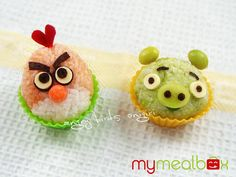 Like spending hours on helping Angry Birds retake their eggs from Green Pigs? Then you may also like to make an Angry Birds themed bendo for hours just like the