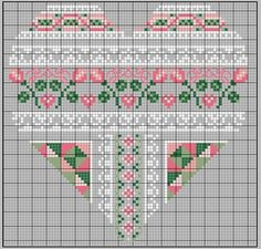 Cross-stitch Patchwork Heart... no color chart available, just use the pattern chart as your color guide.. or choose your own colors... gazette94: COEUR SAINT-VALENTIN