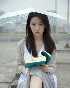 Beautiful Japanese Girl, Beautiful Girl Image, Beautiful Asian Women, Korean Beauty, Asian Beauty, China Girl, Foto Pose, Sexy Asian Girls, Ulzzang Girl