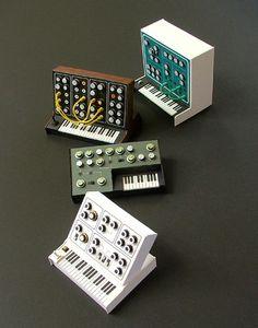 Dan McPharlin - Analogue Miniature Synthesizers