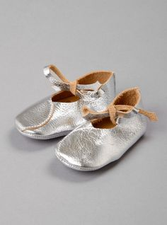 Couverture and The Garbstore - Childrens - Atsuyo et Akiko - Bear Feet metallic leather 1Peace shoes