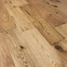 OLD COUNTRY OAK MATT LACQUERED ENGINEERED WOOD FLOORING