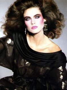 Model Carol Alt make-up 1980s Makeup, 80s Makeup Trends, Retro Makeup, Look 80s, 1980s Hair, Eighties Hair, 80s Big Hair, 80s Costume, 80s Prom