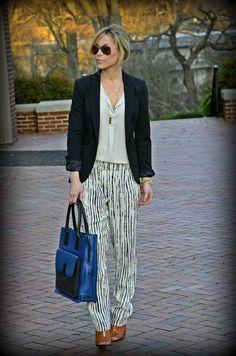 Blazer, white shirt and patterned b/w pants, blue bag & cognac shoes.
