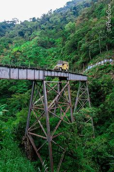 The Amagá Railroad Bridge, Colombia (©photocoen)