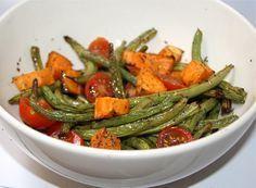 Zoete aardappel met boontjes uit de oven. Gezond, geen vieze pannen en snel klaar. Wat wil je nog meer?