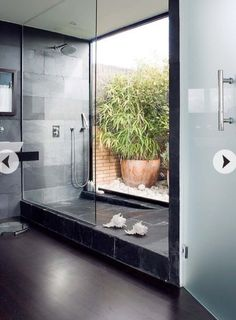 Outdoor Bathrooms 136515432442391445 - 43 Indoor/Outdoor Showers That Will You To Small Paradise Outdoor Remodel, Outdoor Bathrooms, Outdoor Bathroom Design, Indoor Outdoor Bathroom, Bathroom Design, Outdoor Bedroom, Bathroom Wall Lights, Shower Design, Interior Design Diy