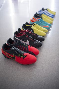They are a beautiful trainers to play football. They trainers are of different colors but all are the  Nike's brand. They have a price of eight hundred and twenty pesos the piece