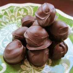 Chocolate Peanut Butter Balls, the treat that puts Reeses to shame! Chocolate and peanut butter just go together, and this is a splendid little dessert that will keep you coming for more!