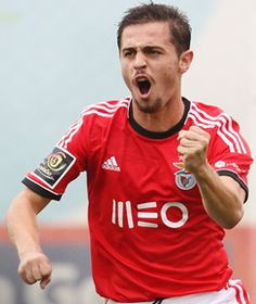 Bernardo Silva, Benfica and Portugal Good Soccer Players, Football Players, Club Monaco, Soccer Photography, Football Love, Just A Game, Sports Clubs, Best Player, Manchester City