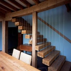 Staircase made of floating chunks of green oak suspended with stainless steel wires in Double-curved house in Oxford (photo: Rob Judges). By Roderick James Architects Timber Architecture, Timber Buildings, Cottage Stairs, Rustic Stairs, Cosy Room, Interior Stairs, Staircase Design, House Painting, Stairways