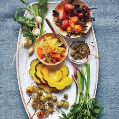 Thanksgiving Appetizers: Pickle-Dressed Acorn Squash and Beets (Martha Stewart Fall Recipes) Make Ahead Appetizers, Thanksgiving Appetizers, Thanksgiving Recipes, Appetizer Recipes, Delicious Appetizers, Thanksgiving Sides, Holiday Appetizers, Holiday Recipes, Beet Recipes