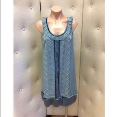 """Diane Von Furstenberg Blue Dress This item is in pre-owned condition.   Brand: Diane von Furstenberg  Size: 6 Material: silk Measurements Bust:36""""  Waist: 40"""" Hips: 40"""" Length:  34"""" Diane von Furstenberg Dresses"""