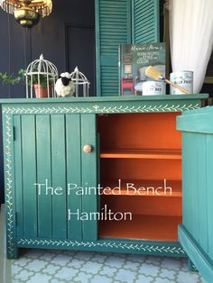 A little Boho made easy with Chalk Paint decorative paint by Annie Sloan!  Aubusson with a punch of Barcelona Orange on the inside. Brought to you by The Painted Bench Hamilton!