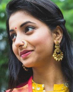 """नथ"" Presenting the Exclusive Silver Nath (nose pin) Collection by Flaunt these elegant nose pins in the coming festive… Nath Nose Ring, Nose Ring Jewelry, Gold Nose Rings, Nose Ring Stud, Nose Pin Indian, Indian Nose Ring, Girls With Nose Rings, Cute Nose Piercings, Nose Ring Designs"