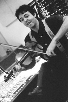 London Town (1978) - Paul on Violin? | Steve Hoffman Music Forums