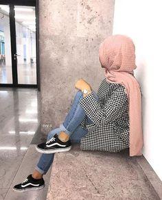 Hijab hijab yes or no Modern Hijab Fashion, Street Hijab Fashion, Hijab Fashion Inspiration, Muslim Fashion, Modest Fashion, Fashion Outfits, Casual Hijab Outfit, Hijab Chic, Casual Outfits