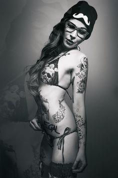 High Brow --- bikini with skull ☠☠☠ prints-- Spring fashion.- Lola Las Vegas http://management82.wix.com/lolalasvegas https://www.facebook.com/misslolalasvegas/
