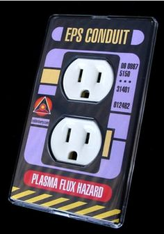 Maybe I will make a star trek bathroom one day! Deep Space Nine, Star Trek Universe, Marvel Universe, Star Wars, Star Trek Ships, Across The Universe, Star Trek Voyager, To Infinity And Beyond, Outlet Covers