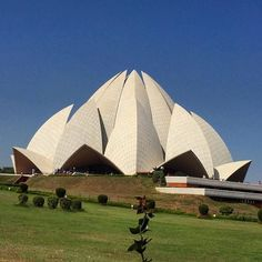 #LotusTemple #IncredibleIndia The Baha'i Lotus Temple in New Delhi. Their purpose is to unite all races and people in the world in one cause and one faith. #seetheworld #travel #traveling #adventure #travelingwithkids #livefree #adventuretravel #familytrip #familytravel #instatravel #travelgram #kidstravel #freerangechildren #AdventuresOutThere #getoutdoors #wanderlust #explore #travelstoke #india #lotustemple #delhi by bersadventures