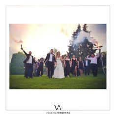 En güzel gününüzü unutulmaz kılacak profesyonel İzmir düğün fotoğrafçısı mı arıyorsunuz ? #izmirdugunfotografcisi #dugunfotografcisi #izmirdugunhikayesi #izmirdugun #weddingphoto #izmirdugunfotografcilari #weddingturkey #discekimfotograflari #gelindamatfotograflari #volkanaktoprak #weddingphotography #weddingstory