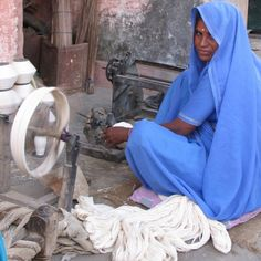 12 tips for best practice manufacture in India | The Ethical Fashion Source.  Photo: khadi hand spinning of cotton yarn.  Mehera Shaw.