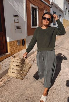 Biodegradable Products, Organic Cotton, Jumper, Textiles, Fabric, Model, How To Wear, Collection, Tops