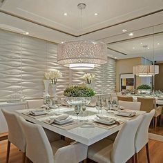 25 Best Dining Room Lighting Ideas 21 There are a lot of styles of dining room lighting, and installing a suitable lamp has a good effect on the beautification of the whole space Elegant Dining Room, Dining Room Design, Best Dining, Dining Table In Kitchen, Luxury Homes Interior, Home Interior Design, Dinner Room, Rich Home, Dream Home Design