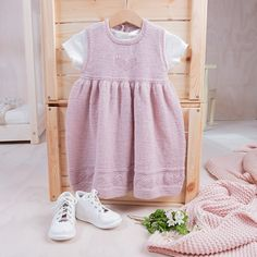 Bluum strikkekjole - Hjerte - i Pure Eco baby Wool - Bluum Baby Barn, Eco Baby, Baby Knitting Patterns, Bambi, Little Girls, Knit Crochet, Girl Outfits, Pure Products, Summer Dresses