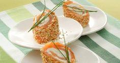 Small bites of salmon with sesame seeds Brunch Recipes, Breakfast Recipes, Brunch Buffet, Healthy Brunch, Vegan Nutrition, Sweet And Salty, Breakfast Casserole, Appetizers For Party, Cooking