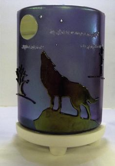 Howling At The Moon - Light Up Our Gallery Entry - Delphi Artist Gallery Delphi Glass, Glass Art, Glass Lamps, Howl At The Moon, Mountain Art, Stained Glass Patterns, Artist Gallery, Fused Glass, Light Up