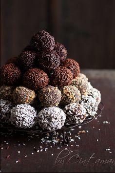 bayaderka chocolate cake balls.  photo via flickr