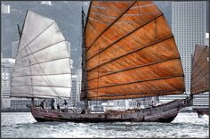 images of junks and sanpans | Photography by Karsten Petersen ©)
