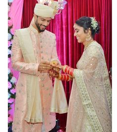 All About Cricketer Shivam Dube's Wedding With Anjum Khan Nikah Ceremony, Wedding Ceremony, Low Key Wedding, Wedding Rituals, Wedding News, Intimate Weddings, Just Married, Celebrity Weddings, Wedding Pictures