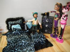 monster high bedroom doll set | Monster high style bed and chair set with dresser and working light