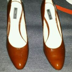 Zara pumps Zara round tor pumps Zara Shoes Heels