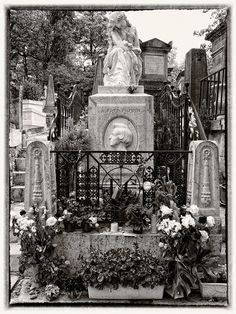 Chopin's tomb