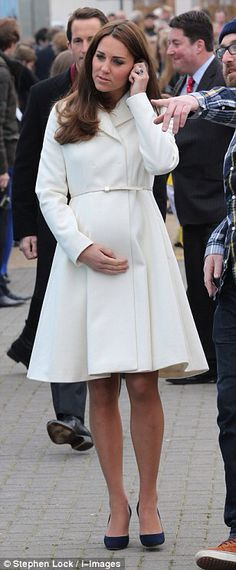 April 2015 - Duchess Kate 7 Months pregnant with her 2nd child (Princess Charlotte)
