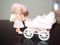 Barbie Schwester laufende Shelly neuwertig Puppenwagen Kinderwagen Kinder Puppe  in Spielzeug, Puppen & Zubehör, Mode-, Spielpuppen & Zubehör | eBay!