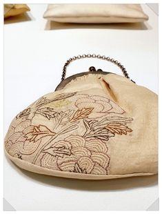 8번째 이미지 Korean Traditional, Hand Embroidery, Purses And Bags, Needlework, Coin Purse, Crochet Bags, Stitch, Wallet, Blog