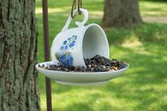 I'm not a crafty girl. But, this little project might just get me moving. Love, love, tea cups and birds! DIY Teacup Bird Feeder by jbrookart Garden Crafts, Garden Projects, Garden Ideas, Diy Crafts, Outdoor Projects, Outdoor Decor, Plantation, Diy Projects To Try, Dream Garden