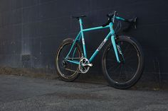 #fieldcycles stunning frame with the right choice of high end kit. #madeinsheffield www.fieldcycles.com