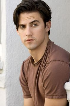 Watching reruns of Heroes... forgot how hot Milo Ventimiglia is
